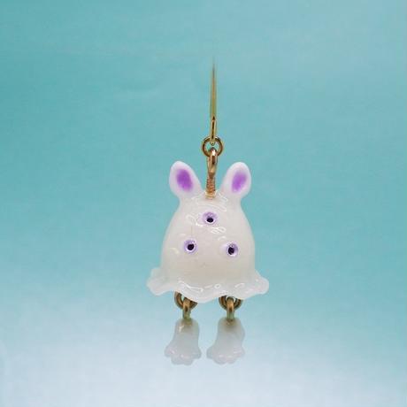 うさぎおばけちゃんピアス(蓄光塗料使用) (片耳) (イヤリング交換可能)  紫