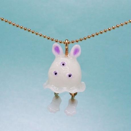 うさぎおばけちゃんネックレス(蓄光塗料使用)  (チェーン約60cm)