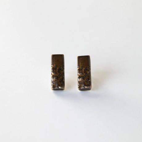 セラミックポストピアス クランチ・ブラウンゴールド(CRU-Y3)