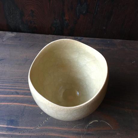 黄玉瓷湯呑み