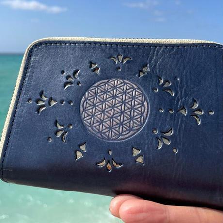 メタトロン宇宙財布/カービングシリーズ/フラワーオブライフ財布/二つ折り財布/ハーフサイズ/パールネイビー×ゴールド