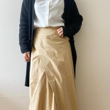 斜めスリットスカート