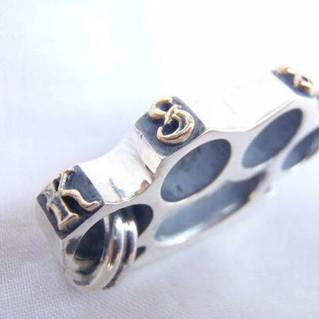 KUSTOMSTYLE BRASS KNUCKLE SILVER PENDANT TOP