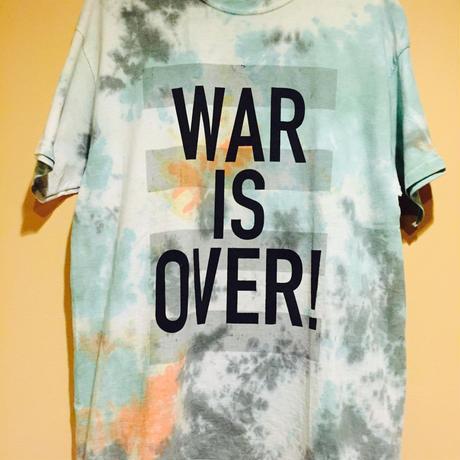 WAR  IS  OVER  Tシャツ