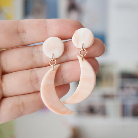 Lack of Geometry Pierced Earrings - Crescent Moon