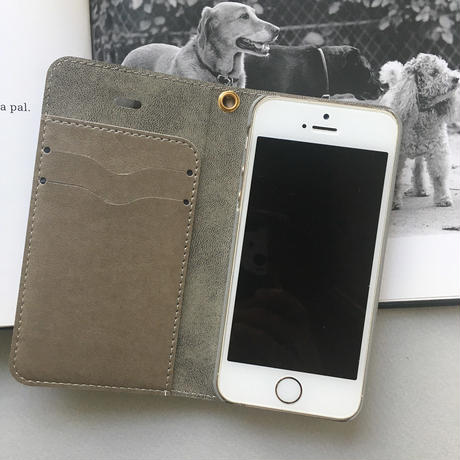 ベルト無し 白ワンコ 手帳型 for iPhone /android版はカメラ穴無し