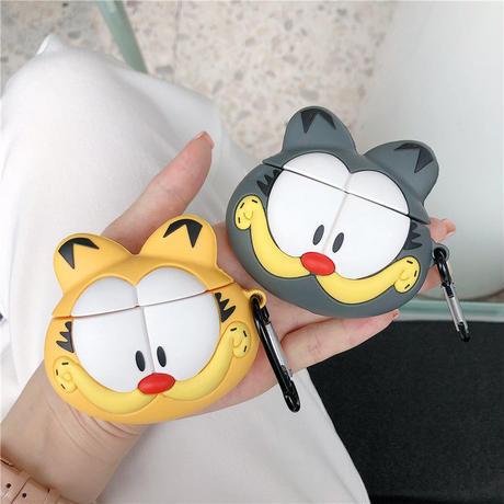 黄色の大きな目の猫 エアーポッズケース AirPods case ケース カバー アップル イヤホンケース AirPods アクセサリー