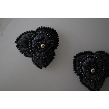 acou; フランスオートクチュール刺繍  rose ピアス