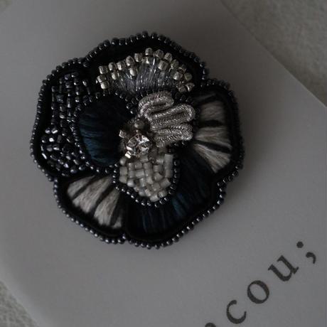 acou; フランスオートクチュール刺繍 nuit