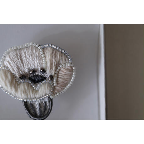 acou; フランスオートクチュール刺繍 anemone