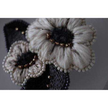 acou; フランスオートクチュール刺繍 marguerite