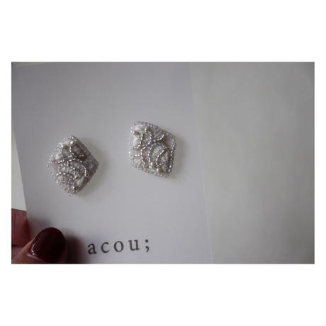 acou; フランスオートクチュール刺繍    lace ピアス