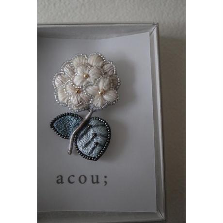 acou; フランスオートクチュール刺繍 snowball