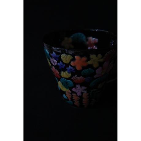 永井麻美子 九谷焼   百花手風 黒 マグカップ