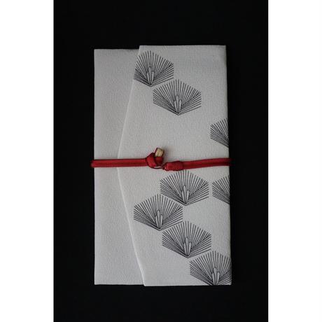 手書き京友禅ふくさ 松 白 組紐2本(赤・黒)付き  セットでお得です。