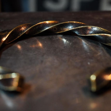 Heavy weight twist bangle 【brass】