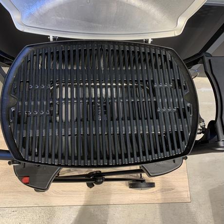 Weber Q2200 BBQガスグリル