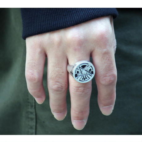 INDEPENDENT x THRASHER PENTAGRAM CROSS RING