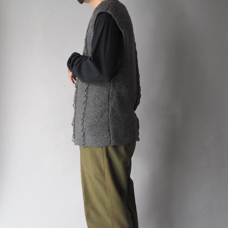 Tyrolean knit vest/unisex