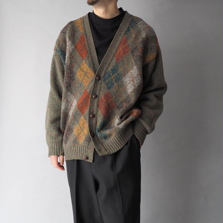 the traditional knit cardigan/unisex