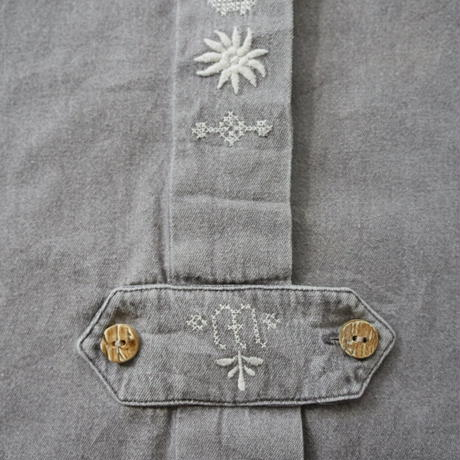 Tyrolean embroidery shirt/unisex