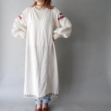 30s cotton & antique linen  vintage Ukraine dress