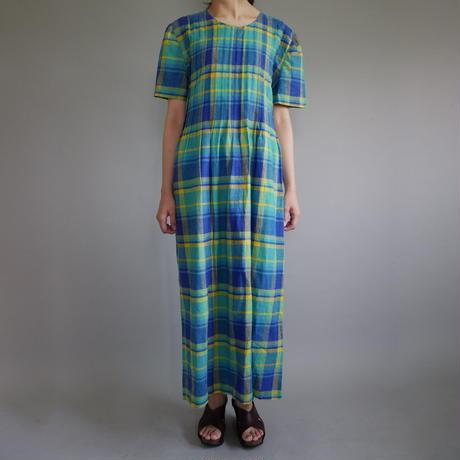 plaid  pin tuck dress