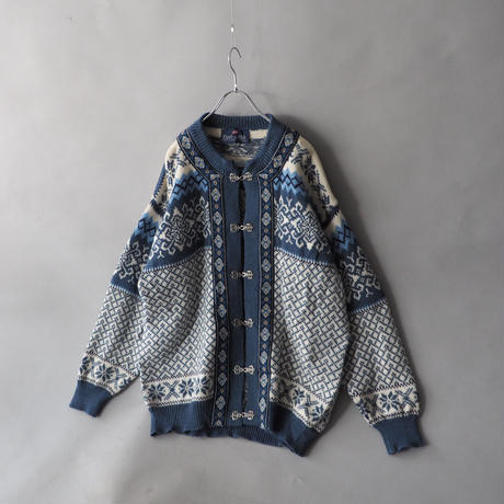 made in Norway Tyrolean design nordic knit cardigan