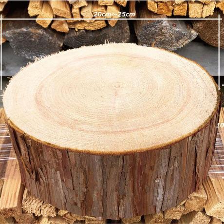 持ち運び便利サイズ、佐賀県産ヒノキ使用/薪割り台