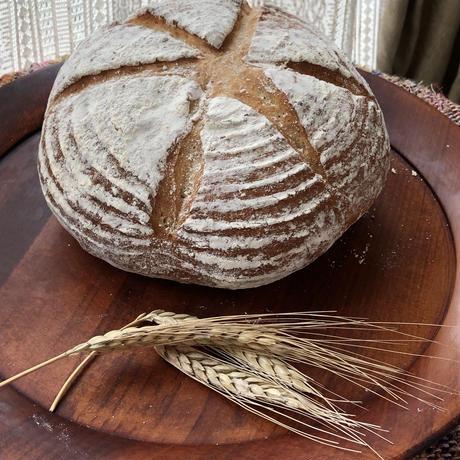 有機スペルト小麦 50%の大きなパンと、ままやの季節のママンチュールマーマレード2種
