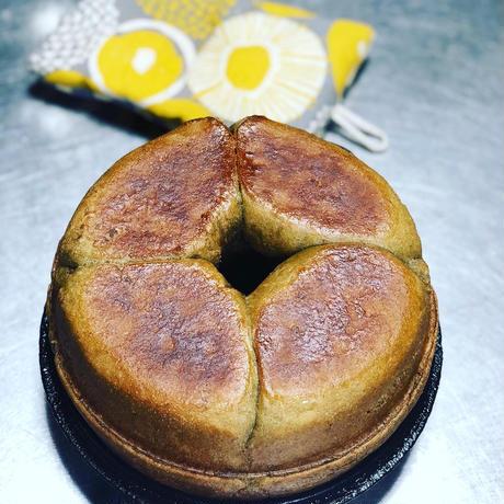 ストーブで焼いた優しい味の鍋焼きパン