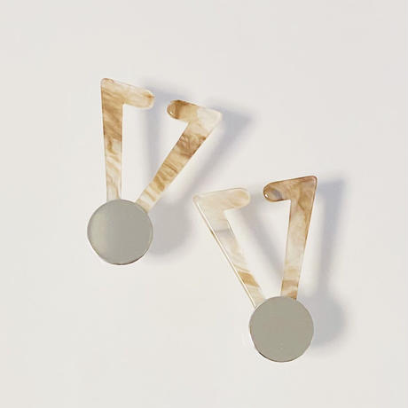Triangle Earcuff (Marble Brown)