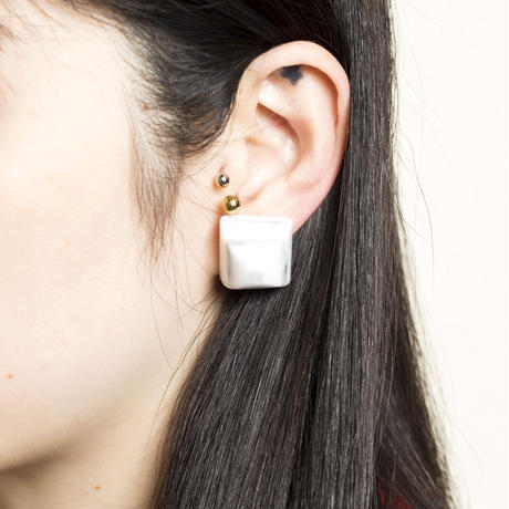 Pyramid Earring(Marble Gray)