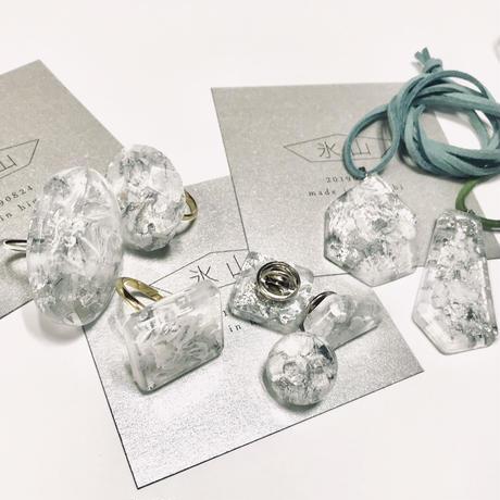 [made in higuchi] 氷山アクセサリー