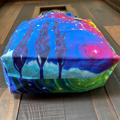 【絵を持つような布バッグ】光の万華鏡