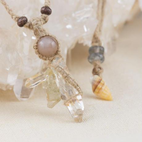 ヒマラヤ水晶クラスターネックレス ガルサ産 【ムーンストーン】