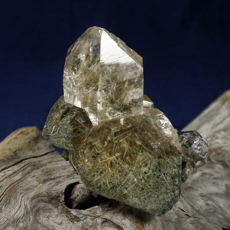 ヒマラヤ水晶 マニハール産 ルチルクォーツ クローライト