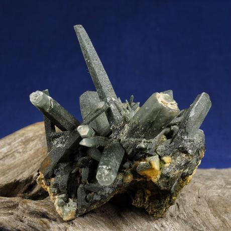 ヒマラヤ水晶 ガネーシュヒマール産 クローライト