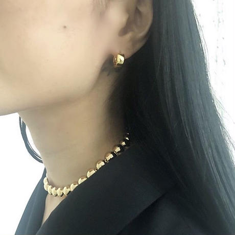 Mini hoop pierces  / gold