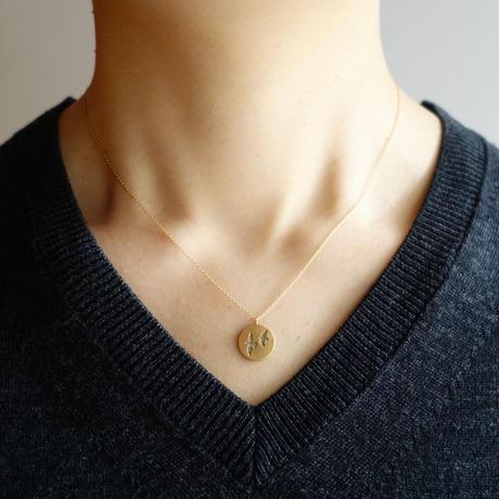 Like a bird necklace / round