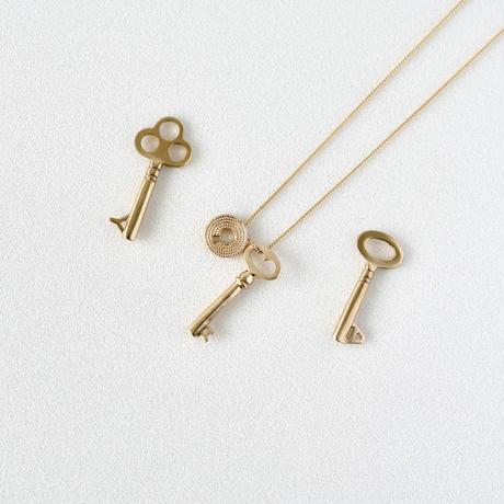 Key / three holes