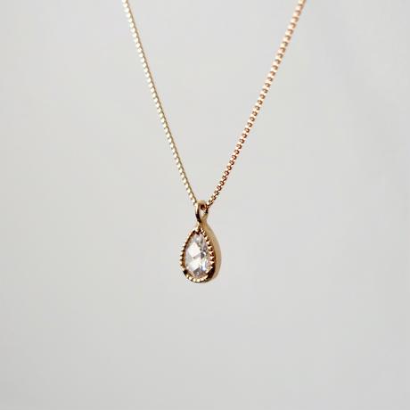 Pear shaped diamond necklace