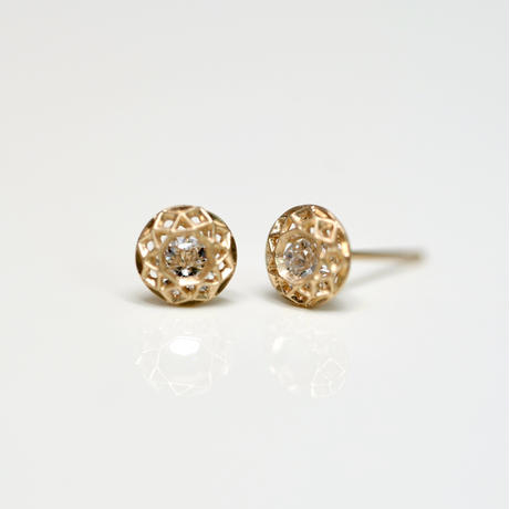 See-through diamond pierce / single