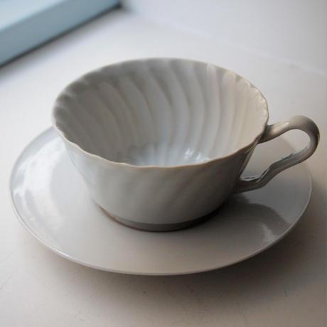 安齋新・厚子 白磁コーヒーカップ&ソーサー