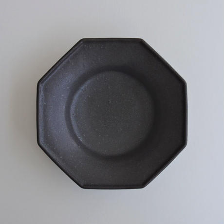 Awabi ware 八角中深皿 黒マット