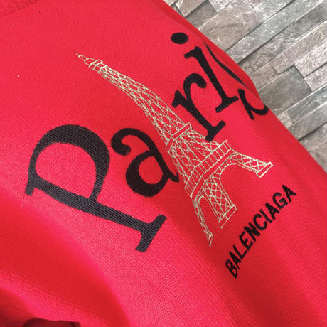 Paris overニット