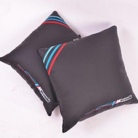 希少 BMW 広げると毛布になるクッション クッション ブランケット e46 e52 e53 e60 e90 e91 e92 e93 f30 f20 f10 f15 00274