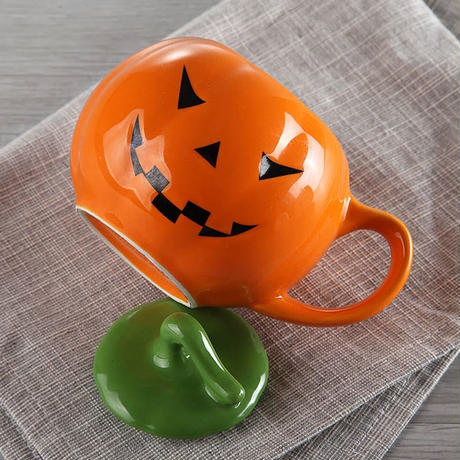 新品送料込  マグカップ ティーカップ 400ml 蓋付 磁器  かぼちゃ ハロウィンデザイン パンプキン  おしゃれ食器 装飾 贈り物  m00600