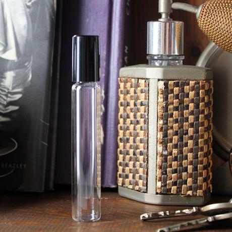 8ml ロールタイプ 日本製(ブラックキャップ ロールオン 43214)【メンズ 香水 フレグランス アロマ 除菌】