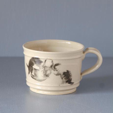 水差し猫のマグカップ